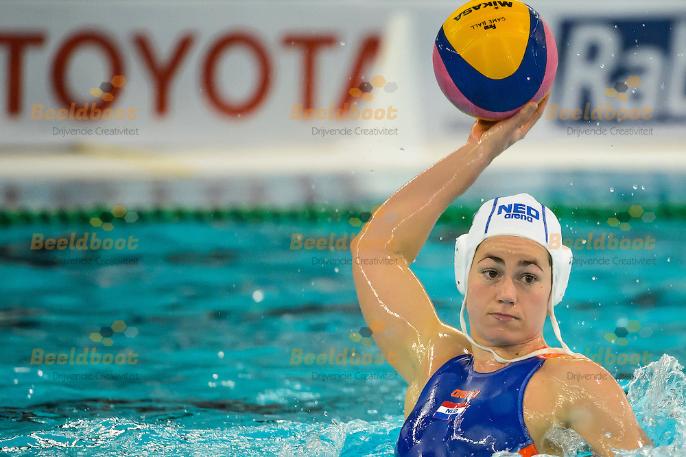 24-03-2016: Waterpolo: Nederland v Duitsland: Gouda<br /> <br /> GENEE Amarens of team Netherlands<br /> <br /> Waterpolowedstrijd tussen dames team Nederland en team Duitsland tijdens het Olympisch Kwalificatie toernooi (OKT) in het Groenhovenbad in Gouda<br /> <br /> Waterpolo match between ladies of team The Netherlands and team Germany during the Olympic Qualification Tournament  (OQT) at Groenhovenbad in Gouda<br /> <br /> Foto: Gertjan Kooij