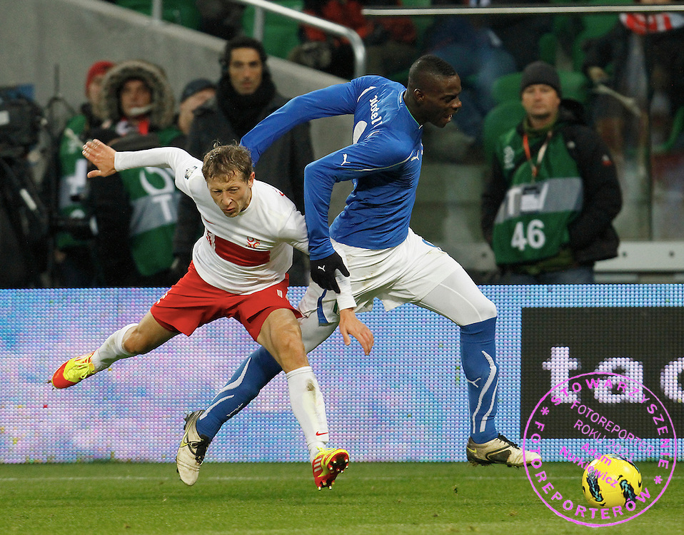 Wroclaw 11/11/2011.Football International Friendly.Poland v Italy.Rafal Murawski of Poland and Mario Balotelli of Italy..Fot: Piotr Hawalej / WROFOTO