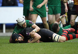 Edinburgh's Fraser McKenzie scores a try - Photo mandatory by-line: Robbie Stephenson/JMP - Mobile: 07966 386802 - 05/04/2015 - SPORT - Rugby - Reading - Madejski Stadium - London Irish v Edinburgh Rugby - European Rugby Challenge Cup