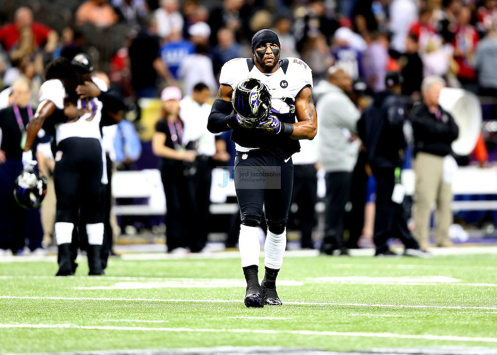 Ray Lewis (52) of the Baltimore Ravens looks on against the San Francisco 49ers during the NFL Super Bowl XLVII football game in New Orleans on Feb. 3, 2013. The Ravens won the game, 34-31.  (Photo by Jed Jacobsohn)