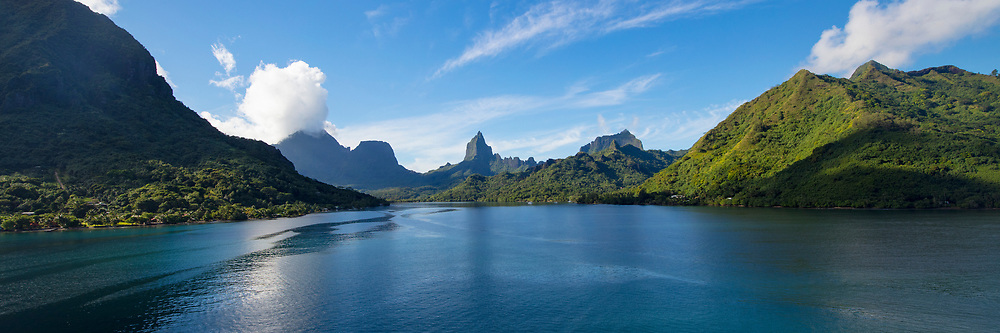 Opunohu Bay, Moorea, French Polynesia