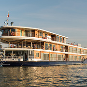 Riverboats & Lodges - Clients