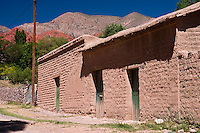 CASAS DE ADOBE, UQUIA, QUEBRADA DE HUMAHUACA, PROV. DE JUJUY, ARGENTINA