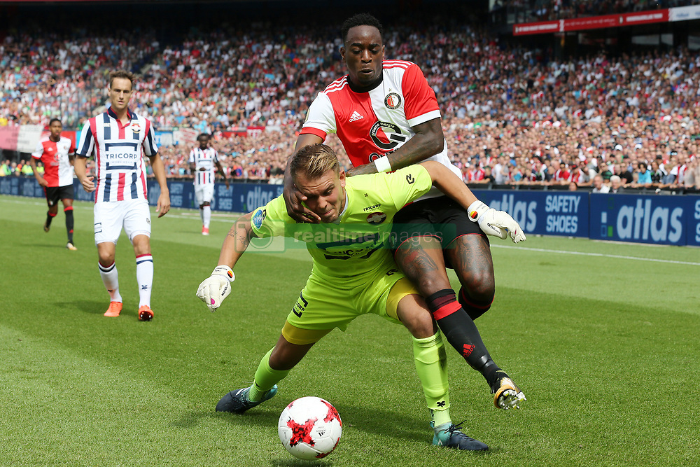 goalkeeper Timon Wellenreuther of Willem II, Ridgeciano Haps of Feyenoord during the Dutch Eredivisie match between Feyenoord Rotterdam and Willem II Tilburg at the Kuip on August 27, 2017 in Rotterdam, The Netherlands