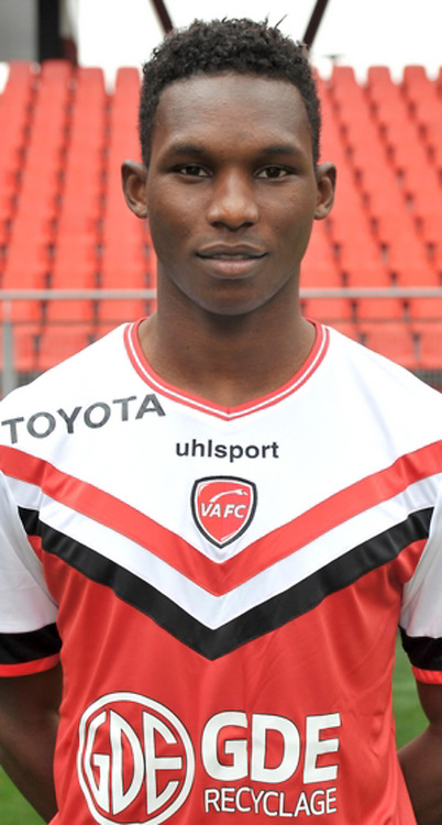 Opa NGUETTE - 19.10.2014 - Portrait Officiel Valenciennes - Ligue 2<br /> Photo : Icon Sport