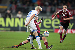 10.12.2011, easy Credit Stadion, Nuernberg, GER, 1.FBL, 1. FC Nürnberg/ Nuernberg vs TSG 1899 Hoffenheim, im Bild:Almog Cohen (Nuernberg #18) im Zweikampf mit Andreas Beck (Hoffenheim #2). // during the Match GER, 1.FBL, 1. FC Nürnberg/ Nuernberg vs TSG 1899 Hoffenheim on 2011/12/10, easy Credit Stadion, Nuernberg, Germany..EXPA Pictures © 2011, PhotoCredit: EXPA/ nph/ Will..***** ATTENTION - OUT OF GER, CRO *****