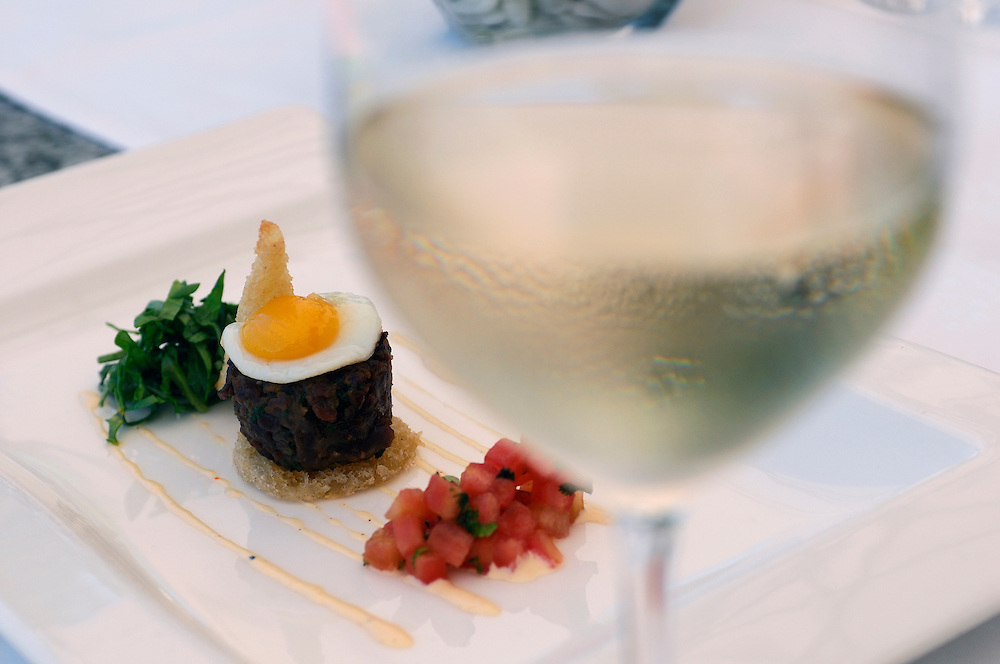 Tandori Spiced Ostrich Burger, Bosman's Restaurant, Grande Roche Relais & Chateaux Hotel, Paarl, Western Cape, South Africa