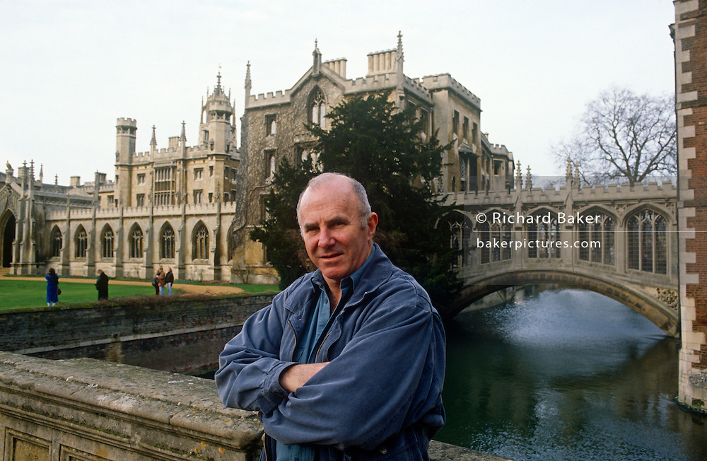 A portrait of Australian-born, Clive James on 20th January 1990 in Cambridge UK. Clive James AO CBE FRSL (1939-2019) was an Australian author, critic, broadc(aster, poet, translator and memoirist, best known for his autobiographical series Unreliable Memoirs, for his chat shows and documentaries on British television and for his prolific journalism. He has lived and worked in the United Kingdom since 1962.
