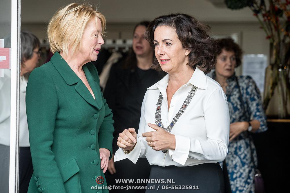 NLD/Amsterdam/20181003 - Koning opent tentoonstelling 1001 vrouwen in de 20ste eeuw,