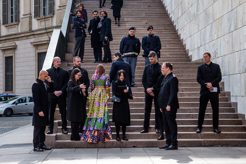 Arrivee de Anna Dello Russo, conseiller de Vogue Japon, au repas d'inauguration de la semaine de la mode a Milan