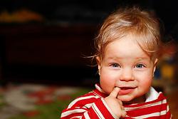 01.02.2011, Graz, AUT, Feature, im Bild ein Baby mit blonden Haaren schaut fragend in die Kamera, EXPA Pictures © 2012, PhotoCredit: EXPA/ Erwin Scheriau