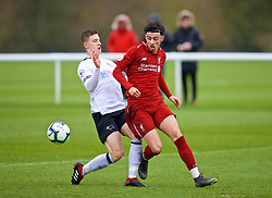 DERBY, ENGLAND - Friday, March 8, 2019: Liverpool's Curtis Jones (R) and Derby County's Joe Bateman during the FA Premier League 2 Division 1 match between Derby County FC Under-23's and Liverpool FC Under-23's at the Derby County FC Training Centre. (Pic by David Rawcliffe/Propaganda)
