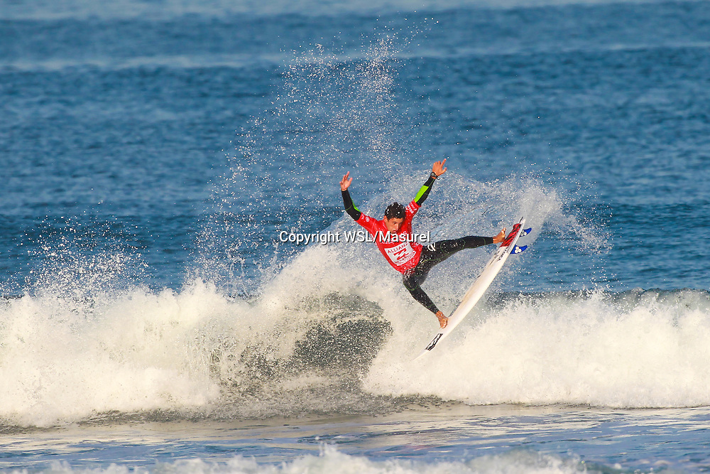 Alex Ribeiro (BRA). Cascais 2015<br /> hird round of the QS10,000 Allianz Billabong Pro Cascais on Wednesday, September 30, 2015.<br /> Photo credit: Laurent Masurel / www.worldsurfleague.com