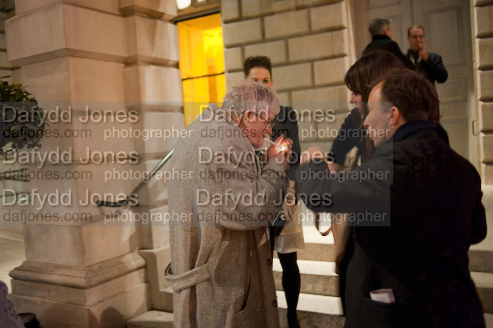 TONY CHAMBERS; SIR DAVID HOCKNEY; SARAH DOUGLAS, Opening of David Hockney ' A Bigger Picture' Royal Academy. Piccadilly. London. 17 January 2012