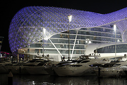 Motorsports / Formula 1: World Championship 2010, GP of Abu Dhabi, Yas Marina Circuit, port, Yacht, Yachten, Hafen, Schiff, Schiffe, Yachthafen