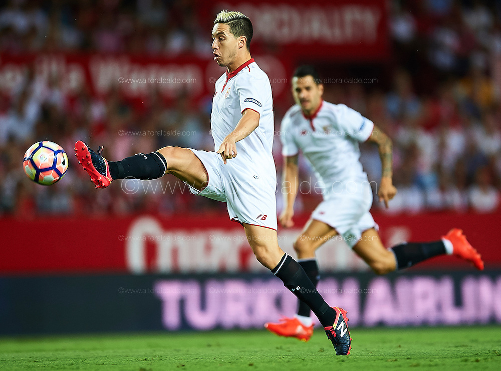 SEVILLE, SPAIN - SEPTEMBER 20:  Samir Nasri of Sevilla FC in action during the match between Sevilla FC vs Real Betis Balompie as part of La Liga at Estadio Ramon Sanchez Pizjuan on September 20, 2016 in Seville, Spain.  (Photo by Aitor Alcalde Colomer/Getty Images)