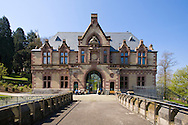 Europe, Germany, North Rhine-Westphalia, Siebengebirge, Koenigswinter, building of the castle complex of the Drachenburg castle (built 1881-84) at the Drachenfels mountain south of Bonn, this building accommodates the museum of nature history.<br /> <br /> Europa, Deutschland, Nordrhein-Westfalen, Siebengebirge, Koenigswinter, die Vorburg der Drachenburg (1881-84) am Hang des Drachenfels suedlich von Bonn, in dem Gebaeude befindet sich das Museum fuer Naturgeschichte.