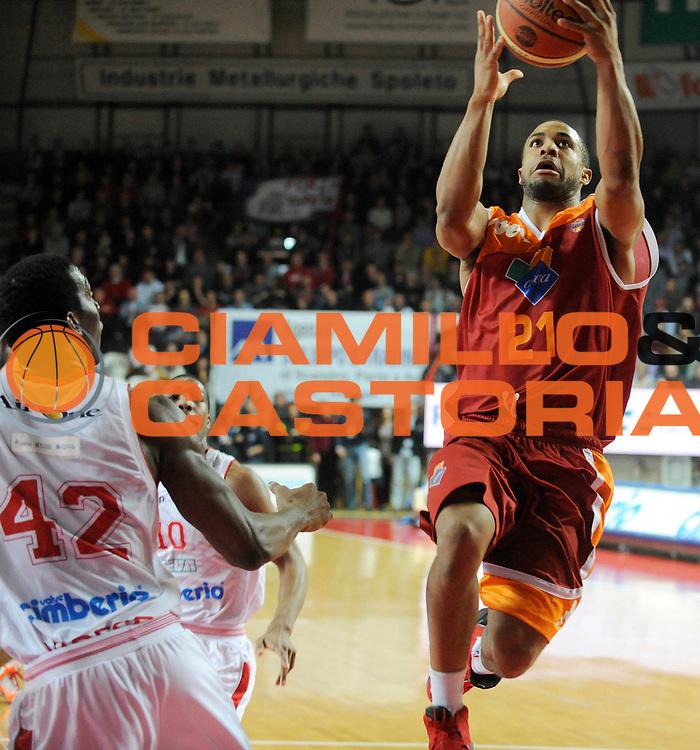 DESCRIZIONE : Varese Lega A 2012-13 Cimberio Varese Acea Roma<br /> GIOCATORE : Jordan Taylor<br /> SQUADRA : Acea Roma<br /> EVENTO : Campionato Lega A 2012-2013<br /> GARA :  Cimberio Varese Acea Roma<br /> DATA : 01/04/2013<br /> CATEGORIA : Tiro<br /> SPORT : Pallacanestro<br /> AUTORE : Agenzia Ciamillo-Castoria/A.Giberti<br /> Galleria : Lega Basket A 2012-2013<br /> Fotonotizia : Varese Lega A 2012-13 Cimberio Varese Acea Roma<br /> Predefinita :
