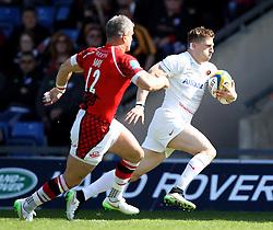 Saracens David Strettle runs past London Welsh's Tom May to score a try - Photo mandatory by-line: Robbie Stephenson/JMP - Mobile: 07966 386802 - 16/05/2015 - SPORT - Rugby - Oxford - Kassam Stadium - London Welsh v Saracens - Aviva Premiership