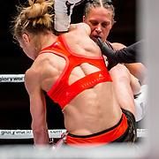 NLD/Amsterdam/20160625 - Glory 31, Isis Verbeek (white) vs Irina Mazeppa (black)