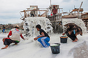 Miners work in in tin mine on the road to Pemali. Bangka Island (Indonesia) is devastated by illegal tin mines. The demand for tin has increased due to its use in smart phones and tablets.<br /> <br /> Mine d'&eacute;tain ill&eacute;gale sur la route de Pemali.   <br /> L'&icirc;le de Bangka (Indon&eacute;sie) est d&eacute;vast&eacute;e par des mines d'&eacute;tain sauvages. la demande de l'&eacute;tain a explos&eacute; &agrave; cause de son utilisation dans les smartphones et tablettes.
