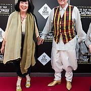 NLD/Amsterdam/20150604 - Premiere In de Ban van Broadway, schoenontwerper Jan Jansen en partner