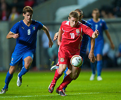 SWANSEA, ENGLAND - Friday, September 4, 2009: Wales' Simon Church in action against Italy during the UEFA Under 21 Championship Qualifying Group 3 match at the Liberty Stadium. (Photo by David Rawcliffe/Propaganda)