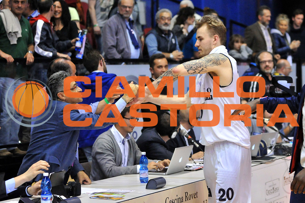 DESCRIZIONE : Biella LNP DNA Adecco Gold 2013-14 Angelico Biella Manital Torino Playoff Quarti di Finale<br /> GIOCATORE : Alan Voskuil Francesco Montoro<br /> CATEGORIA : Esultanza<br /> SQUADRA : Angelico Biella<br /> EVENTO : Campionato LNP DNA Adecco Gold 2013-14<br /> GARA : Angelico Biella Manital Torino<br /> DATA : 06/05/2014<br /> SPORT : Pallacanestro<br /> AUTORE : Agenzia Ciamillo-Castoria/S.Ceretti<br /> Galleria : LNP DNA Adecco Gold 2013-2014<br /> Fotonotizia : Biella LNP DNA Adecco Gold 2013-14 Angelico Biella Manital Torino Playoff Quarti di Finale<br /> Predefinita :