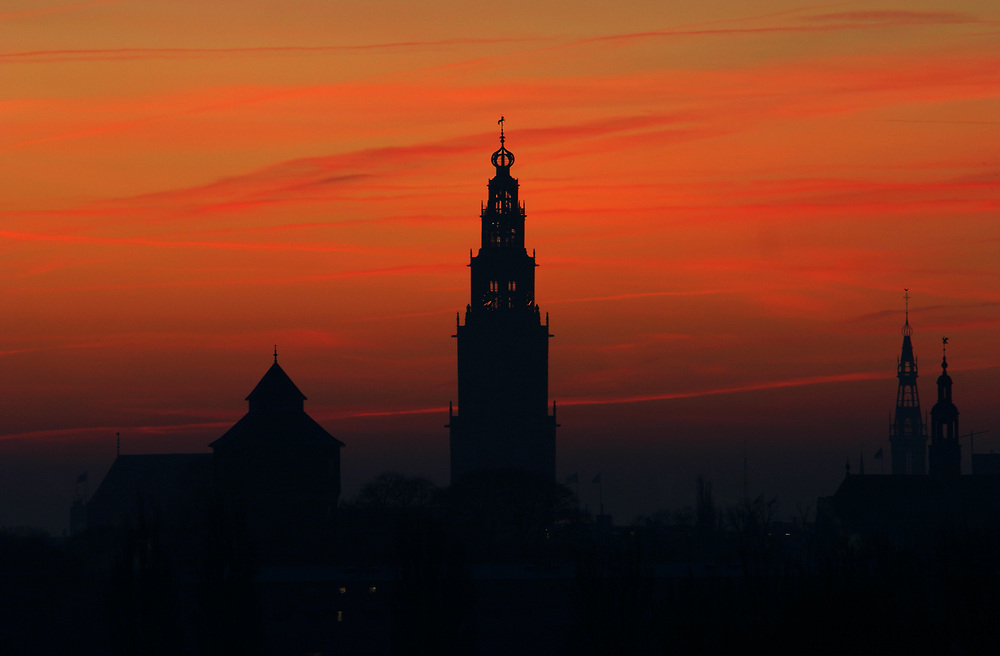 The Martinitoren in Groningen at sunrise // De Martinitoren bij zonsopkomst.