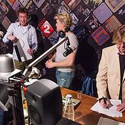NLD/Hilversum/20131206 - Top 2000 finale 2013, bekendmaking uitslag, Bert Haandrikman en Hans Klok