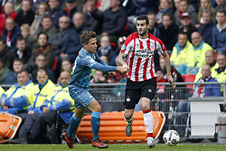 (L-R), Reuven Niemeijer of Heracles Almelo, Gaston Pereiro of PSV during the Dutch Eredivisie match between PSV Eindhoven and Heracles Almelo at the Phillips stadium on October 22, 2017 in Eindhoven, The Netherlands