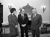 1989 - Minister Meets Birmingham 6 Family Members.  (T10).