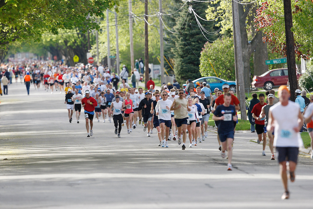 2008 Cellcom Green Bay Marathon on May 18th, 2008.  (Photo by Mike Roemer)