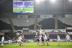 Ospreys' Justin Tipuric vies with Saracens' Maro Itoje for the lineout ball<br /> <br /> Photographer Simon King/Replay Images<br /> <br /> European Rugby Champions Cup Round 5 - Ospreys v Saracens - Saturday 13th January 2018 - Liberty Stadium - Swansea<br /> <br /> World Copyright © Replay Images . All rights reserved. info@replayimages.co.uk - http://replayimages.co.uk