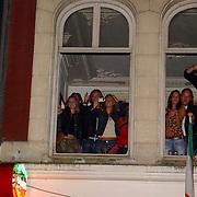 NLD/Amsterdam/20050806 - Gaypride 2005, optreden Vanessa, publiek, toeschouwers
