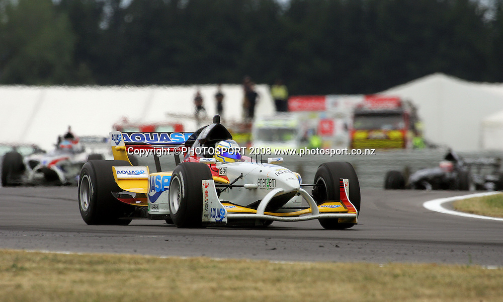 New Zealand's Jonny Reid (right) chases the lead trio, with Germany's Christian Vietoris in front, in the Feature Race.<br /> A1GP Race Day. Taupo Motorsport Park, Taupo, New Zealand. Sunday, 20 January 2008. Photo: Dave Lintott/PHOTOSPORT