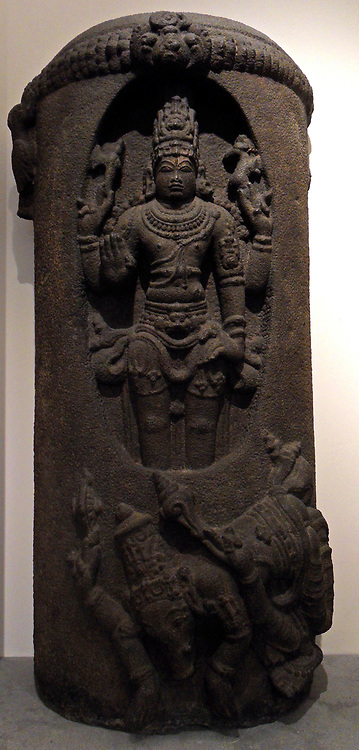 Siva Lingodbhavamurti.  The Lingodbhavamurti, in which Siva is represented as Candrakasekhara, appears first in the earliest reigns of the. Early Cola period (about A.D. 850-1014. The lingodbhavamurti shows Shiva emerging out of a fiery lingam. 12th-13th century, Dravidian basalt sculpture from India, Tamil Nadu (state ).