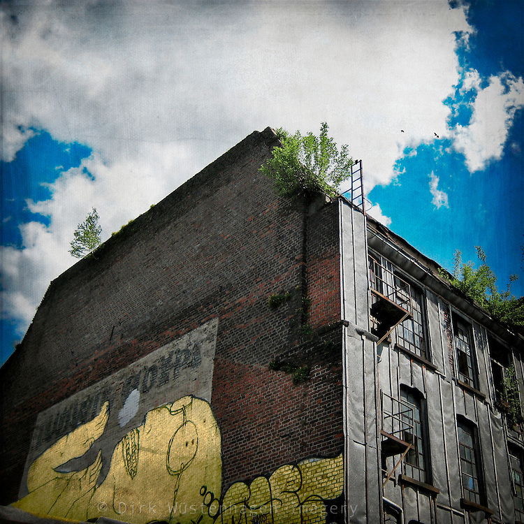 Abandoned building with grafitti in Wuppertal
