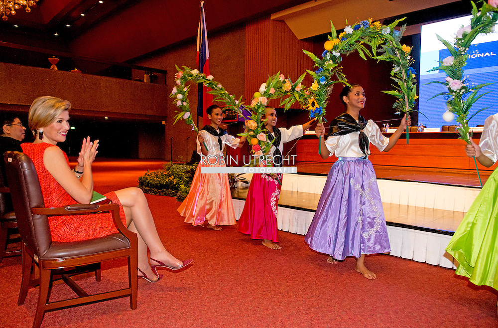 1-7- 2015 MANILLA - Offici&euml;le lancering van de Nationale Strategie voor Inclusieve Financiering in het Philippines International Convention Centre. <br /> 	voor Inclusieve Financiering . Queen Maxima during a three-day visit to the Philippines, as a special advocate of the Secretary-General of the United Nations. Queen M&aacute;xima visits in her capacity as special advocate of the Secretary-General of the United Nations for inclusive finance for development (inclusive finance for development). manila COPYRIGHT ROBIN UTRECHT