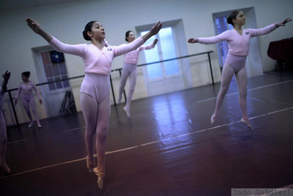 at the National School of Ballet in La Paz, Bolivia, Wednesday, July 14, 2010. (Photo Dado Galdieri)