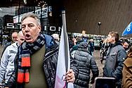 ROTTERDAM - Edwin Wagensveld, voorman van de extreemrechtse beweging Pegida Nederland  tijdens de demonstratie van de PVV tegen het beleid van kabinet Rutte III, islamisering en discriminatie van Nederlanders. Aanhangers worden bijgestaan door de Vlaams-nationalistische partij Vlaams Belang. ANP ROBIN UTRECHT