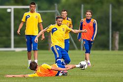 31.05.2012, Sportplatz, Walchsee, AUT, UEFA EURO 2012, Trainingscamp, Ukraine, Training, im Bild Anatoliy Tymoshchuk, (UKR, # 04) // Anatoliy Tymoshchuk, (UKR, # 04) during a Trainingssession of Ukraine National Footballteam for preparation UEFA EURO 2012 at the Stadium, Walchsee, Austria on 2012/05/31. EXPA Pictures © 2012, PhotoCredit: EXPA/ Juergen Feichter