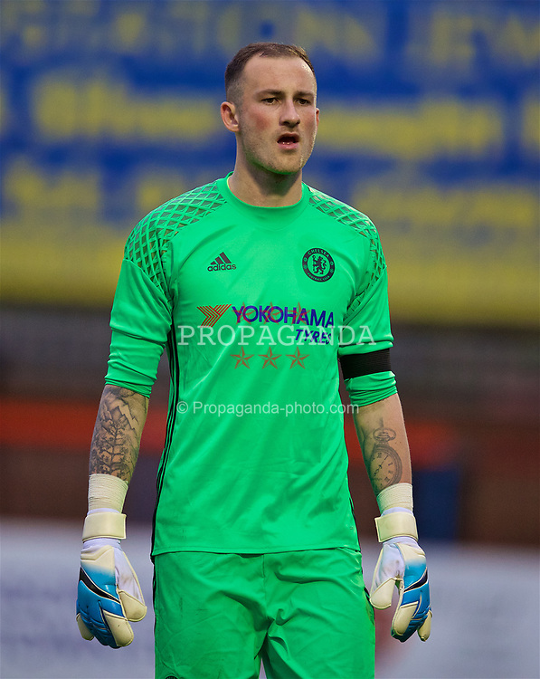 ALDERSHOT, ENGLAND - Friday, April 21, 2017: Chelsea's goalkeeper Mitchell Beeney in action against Everton during FA Premier League 2 Division 1 Under-23 match at the Recreation Ground. (Pic by David Rawcliffe/Propaganda)
