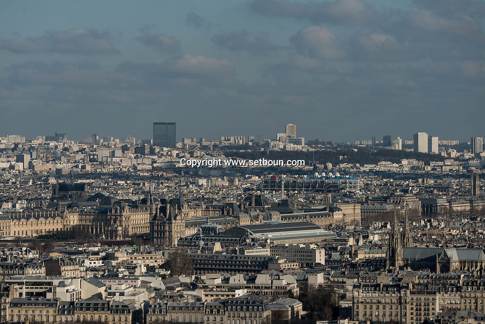 France. paris. 7th district.  the Eiffel tower, la tour Eiffel . Paris vue d'en haut