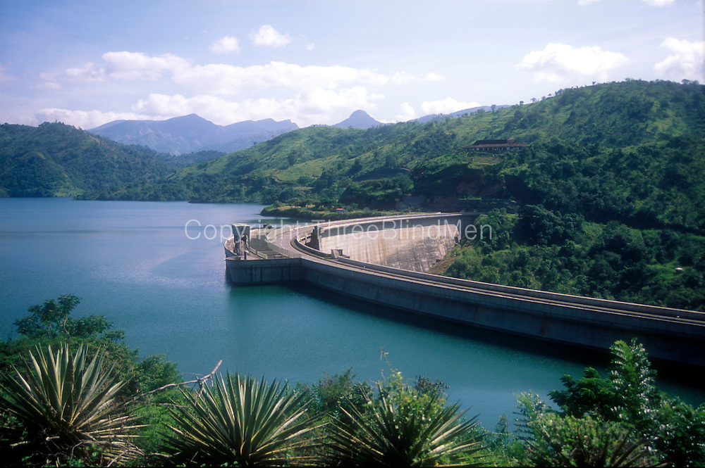 Sri Lanka. <br /> The Victoria Dam near Kandy is one of the largest Hydro Electric schemes in the country.<br /> Copyright: Dominic Sansoni