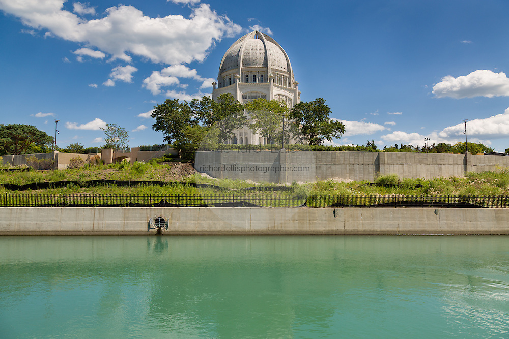 Bahai House of Worship and Wilmette Harbor in Wilmette, Illinois, USA.