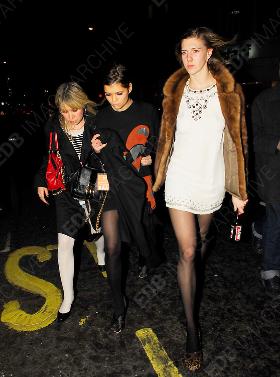 28.MARCH.2007. LONDON<br /> <br /> PIXIE GELDOF LEAVING A BAR IN SOHO WITH SOME FRIENDS LOOKING WORSE FOR WEAR.<br /> <br /> BYLINE: EDBIMAGEARCHIVE.CO.UK<br /> <br /> *THIS IMAGE IS STRICTLY FOR UK NEWSPAPERS AND MAGAZINES ONLY*<br /> *FOR WORLD WIDE SALES AND WEB USE PLEASE CONTACT EDBIMAGEARCHIVE - 0208 954 5968*