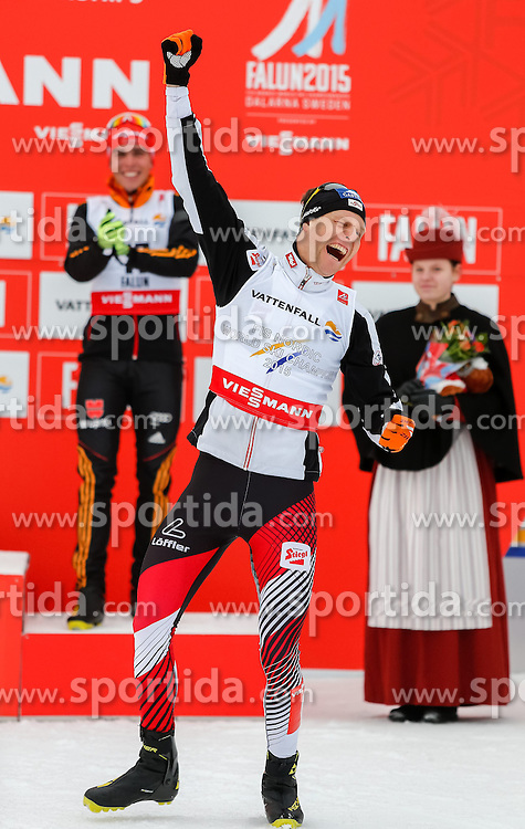26.02.2015, Lugnet Ski Stadium, Falun, SWE, FIS Weltmeisterschaften Ski Nordisch, Nordische Kombination, Flower Ceremony, im Bild Goldmeadillen Gewinner Bernhard Gruber (AUT) // Gold Medalist Bernhard Gruber of Austria during the Nordic Combined Flower Ceremony of the FIS Nordic Ski World Championships 2015 at the Lugnet Ski Stadium, Falun, Sweden on 2015/02/26. EXPA Pictures © 2015, PhotoCredit: EXPA/ SM