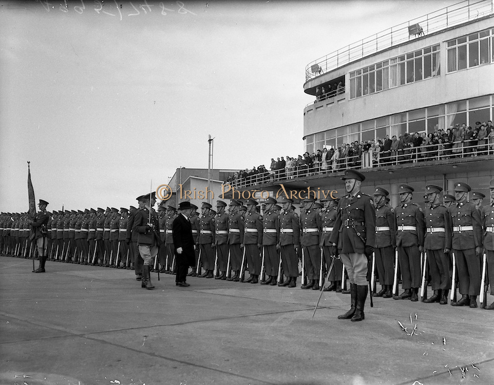 06/04/1959<br /> 04/06/1959<br /> 06 April 1959<br /> President Sean T. O'Ceallaigh inspecting a guard of honour at Dublin Airport on arrival home from the United States. trip. this was the first visit by an Irish president to the United States, where the President was invited to address both houses of Congress.