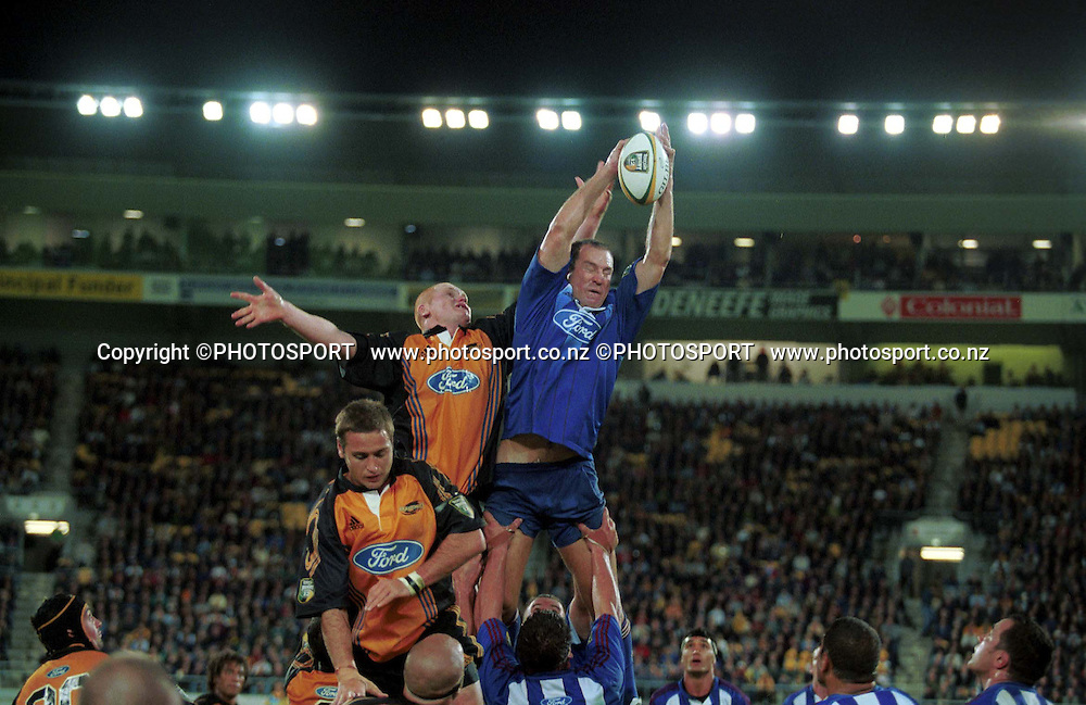Robin Brooke. Super 12, 2000. Auckland Blues v Hurricanes.  Photo: PHOTOSPORT